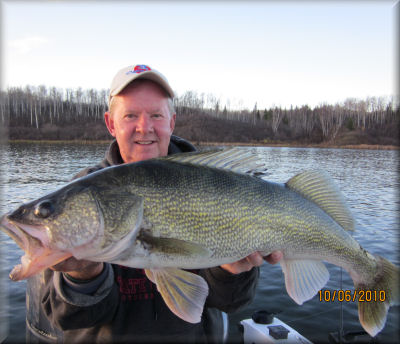south dakota walleye fishing lodging servicing missouri