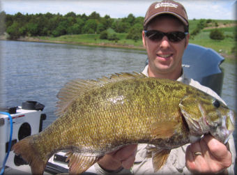 Smallmouth bass fishing on missouri river south dakota for Fishing license mo
